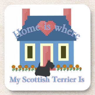 Schottisches Terrier-Zuhause ist Getränkeuntersetzer