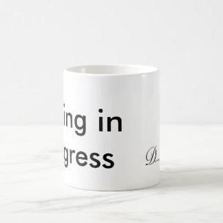 Schreiben laufend kaffeetasse