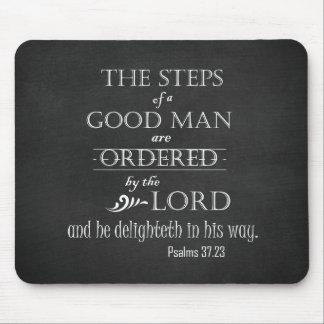 Schritte einer guten Mann-Bibel-Vers-Typografie Mousepad