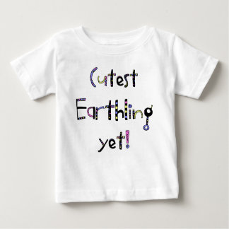 Schrulliger niedlichster Erdenbürger schon! Lila Baby T-shirt