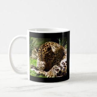 Schüchterner Leopard Tasse