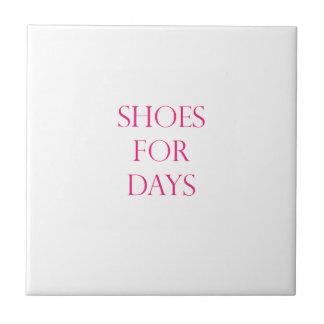 Schuhe für Tage Fliese