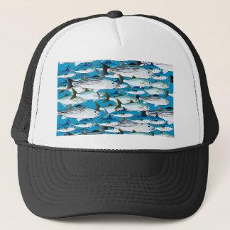 Schule der atlantischen Brandungs-Fische im Blau Truckerkappe