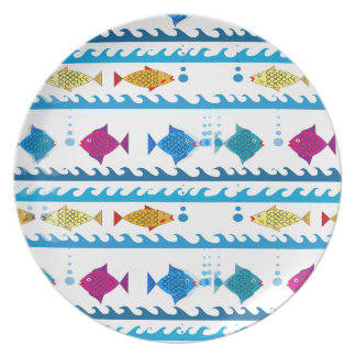 Schule der Fische auf Teller