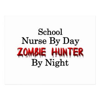 Schulkrankenschwester/Zombie-Jäger Postkarte