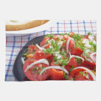 Schüssel vegetarischer Salat Handtuch