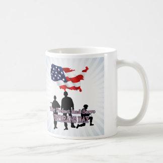 Schützen Sie und dienen Sie Veteranen-TagesTasse Kaffeetasse