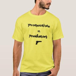 Schützend gegen räuberisches T-Shirt