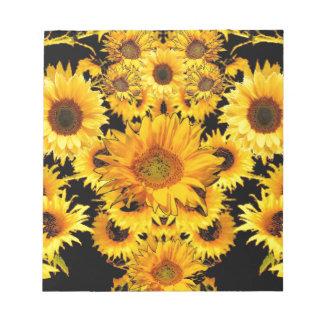 Schwarz-goldene Sonnenblume-Mustergeschenke Notizblock
