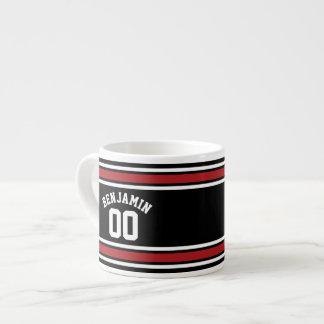 Schwarz und Rot trägt Jersey-Name-Zahl zur Schau Espressotassen