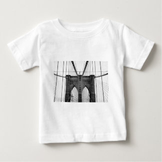 Schwarz-weiße Brooklyn-Brücke New York Baby T-shirt
