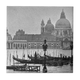 Schwarz-weiße Reise großartiger Kanal-Venedigs Keramikfliese