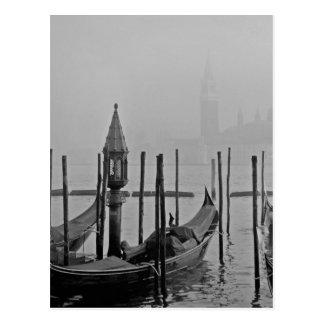 Schwarz-weiße Reise großartiger Kanal-Venedigs Postkarte