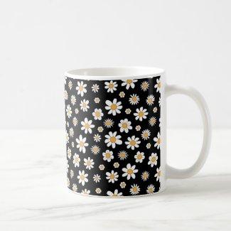Schwarz-weiße Tasse mit Blumen