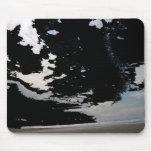 Schwarz-weißer grauer abstrakter Fotohimmel und -s Mousepad