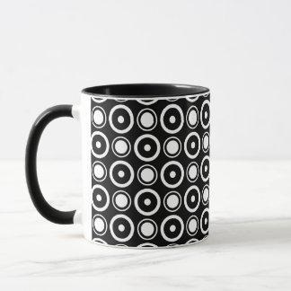 Schwarz-weißer stilvoller schwarzer Hintergrund Tasse
