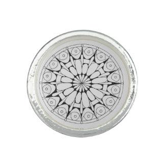 Schwarz-weißer und silberner Mandalaring Ring