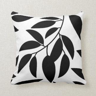 Schwarz-weißes Blatt-Silhouettethrow-Kissen Kissen