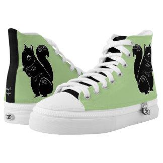 Schwarze Eichhörnchen-hellgrüne Schuhe