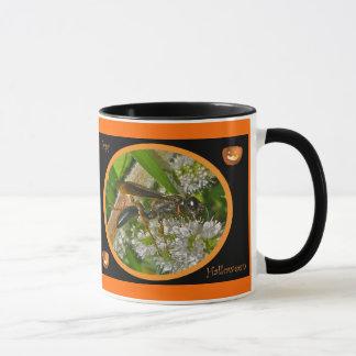 Schwarze Faden-Taille Wespe-Halloween-Tasse Tasse