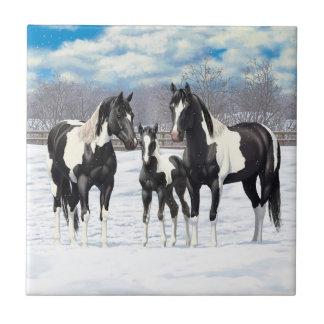 Schwarze Farben-Pferde im Schnee Keramikfliese