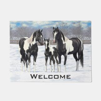 Schwarze Farben-Pferde im Schnee Türmatte