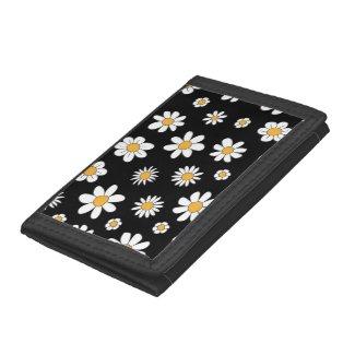 schwarze Geldbörse mit weißen Blumen