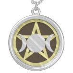 Schwarze Goldsilberpentagram-Dreiergruppen-Göttin Amuletten