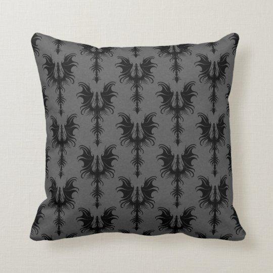 schwarze gotische drachen auf grauem muster kissen zazzle. Black Bedroom Furniture Sets. Home Design Ideas