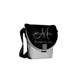 Schwarze graue elegante Monogramm-Hochzeit Kuriertasche