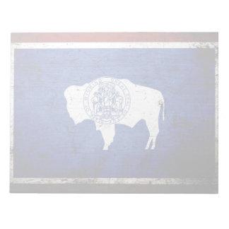 Schwarze Grunge-Wyoming-Staats-Flagge Notizblock