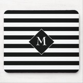 Schwarze horizontale Streifen mit weißem Mousepad