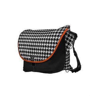Schwarze Jagdhund-Zahn-Rosa-Bote-Tasche Kurier Taschen