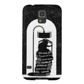 Schwarze Katze, die Shakespeare-Spiele liest Samsung Galaxy S5 Hülle