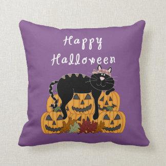 Schwarze Katze und Kürbise Halloweens Kissen