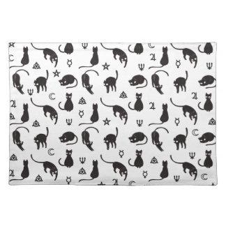 Schwarze Katzen und Hexesymbolmuster Tischset