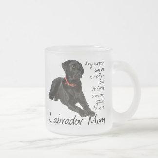 Schwarze Labrador-Mamma-Tasse Matte Glastasse