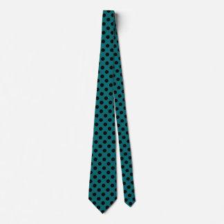 Schwarze Polkapunkte auf aquamarinem Krawatte