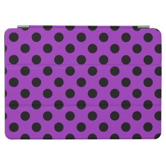 Schwarze Polkapunkte auf Lila iPad Air Cover
