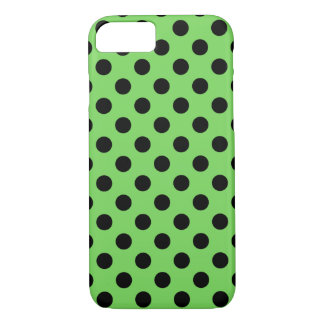 Schwarze Polkapunkte auf Limonem Grün iPhone 8/7 Hülle
