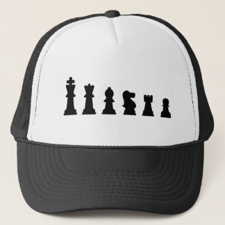 Schwarze Schachstücke auf Weiß Truckerkappe