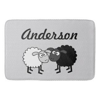 Schwarze Schaf-weiße Schaf-große Bad-Matte Badematte