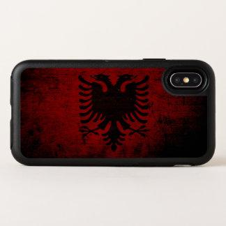 Schwarze Schmutz-Albanien-Flagge OtterBox Symmetry iPhone X Hülle