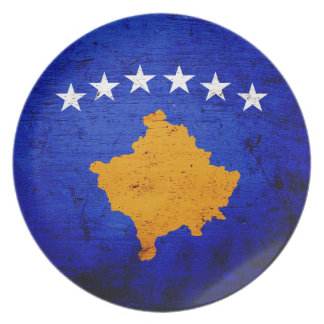 Schwarze Schmutz-Kosovo-Flagge Teller