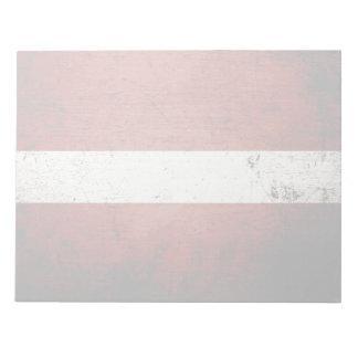 Schwarze Schmutz-Lettland-Flagge Notizblock