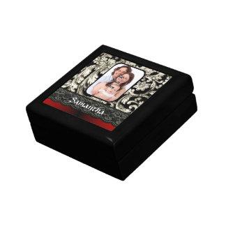 Schwarze Spitze und Damast Geschenkbox