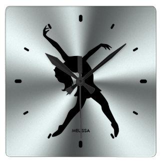 Schwarze Tänzer-Silhouette auf rostfreier Quadratische Wanduhr
