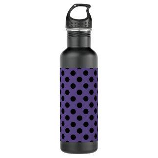Schwarze Tupfen auf ultraviolettem Trinkflasche
