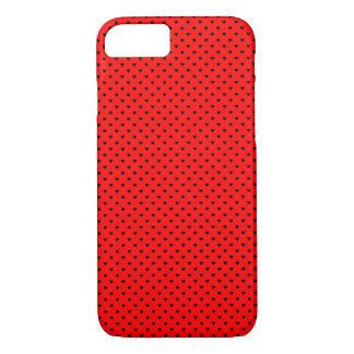 Schwarze Tupfen-Herzen auf rotem Hintergrund iPhone 7 Hülle