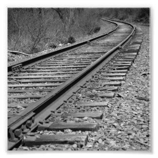 Schwarze u. Weiß gebogene Zug-Bahnen Fotografie